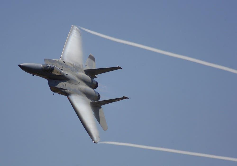 _F-15 maneuver gusto.jpg
