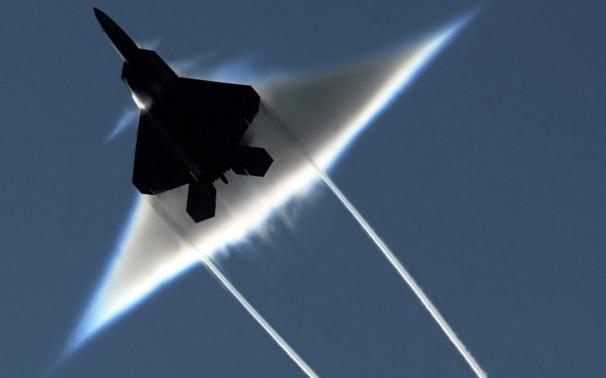 _F-22 high up.jpg