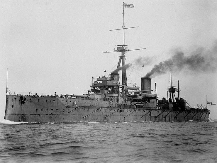 _HMS_Dreadnought_1906_H61017.jpg