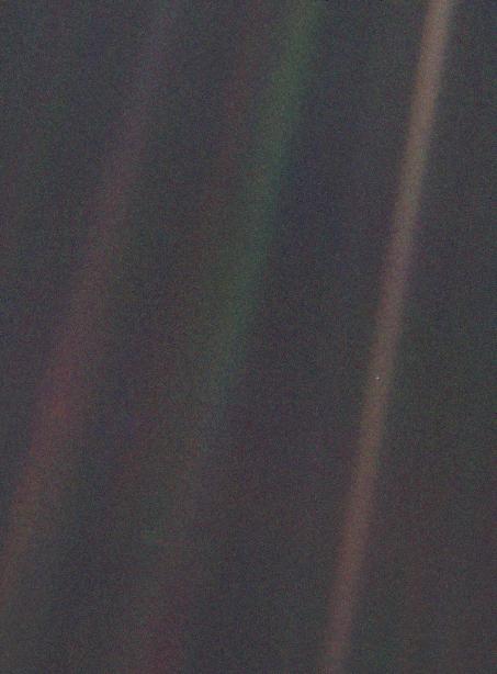 Pale_Blue_Dot (unenhanced).png